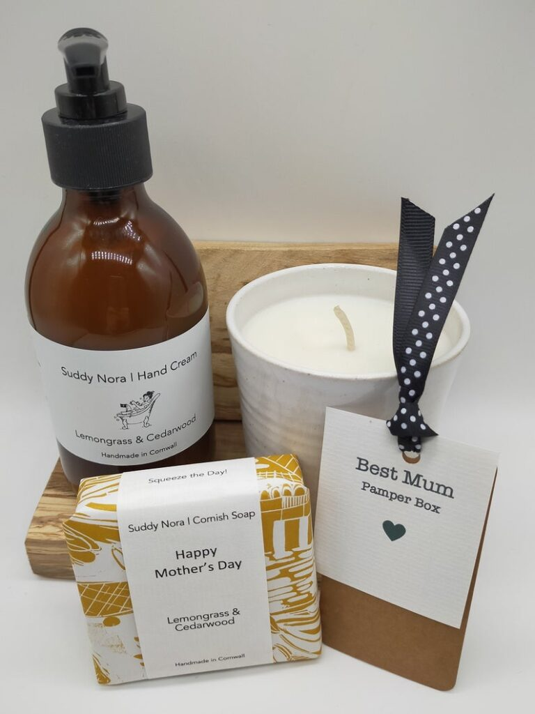 Mothers day gift set with candle and soap